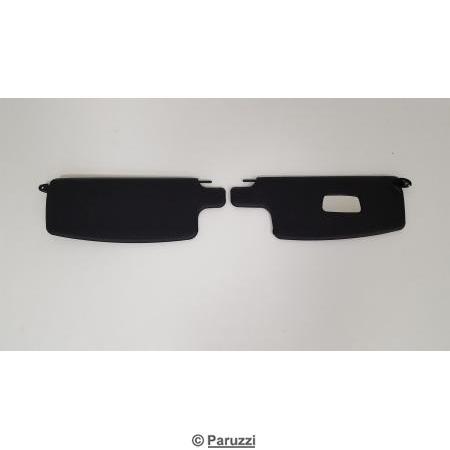Sun visors black with mirror pair.