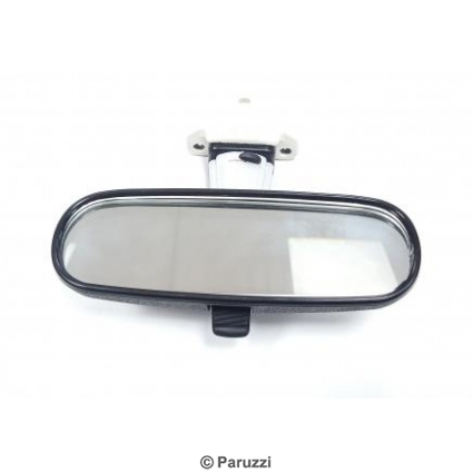 Rear view mirror dimmable.