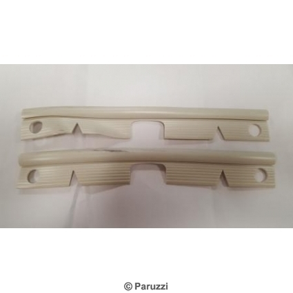 Bumper end seal  front white  pair.