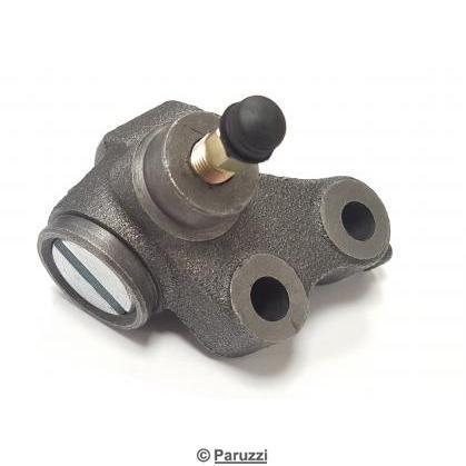 Wheel brake cylinder right front Ø 25.4 mm each .